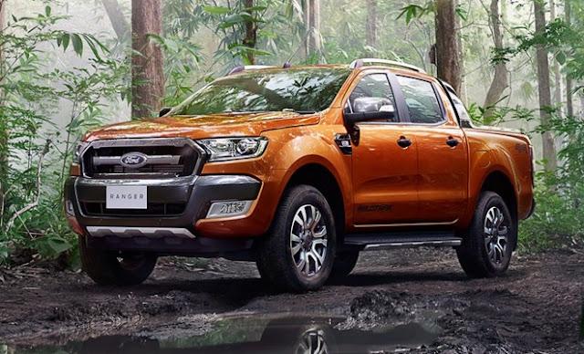 Ford Ranger đang là mẫu xe bán tải bán chạy nhất Việt Nam nhưng Hilux 2016 mới cũng đang dần lấy lại vị thế