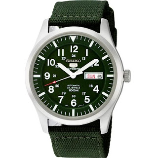 belle montre style militaire Seiko 5 Sports - cadran vert