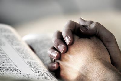 http://2.bp.blogspot.com/-b_H6qT7WIII/UiGW7V32s6I/AAAAAAAAYao/wVNu_SzWFJE/s1600/Praying-hands.jpg