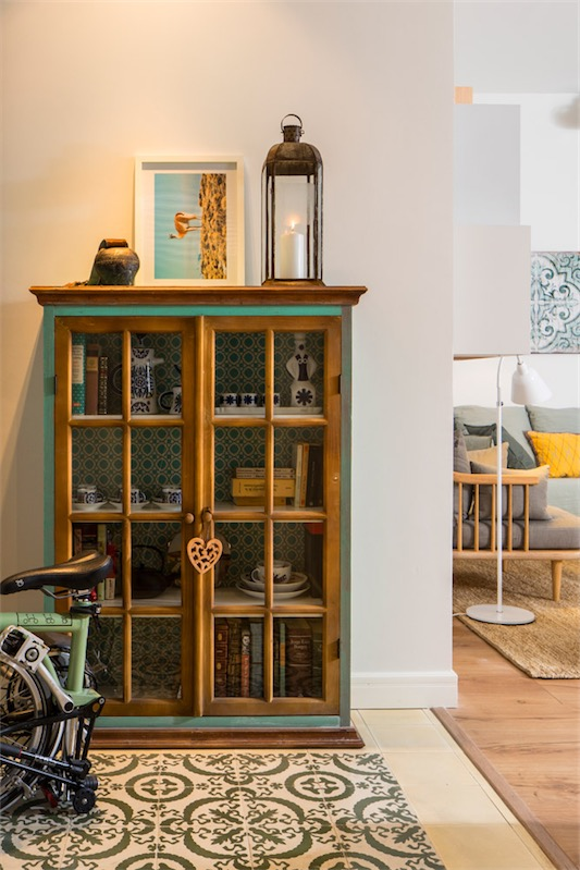 mueble vintage recuperado en el recibidor chicanddeco