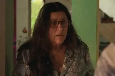 Lurdes em cena da novela das 21h, Amor de Mãe (Foto: Reprodução)