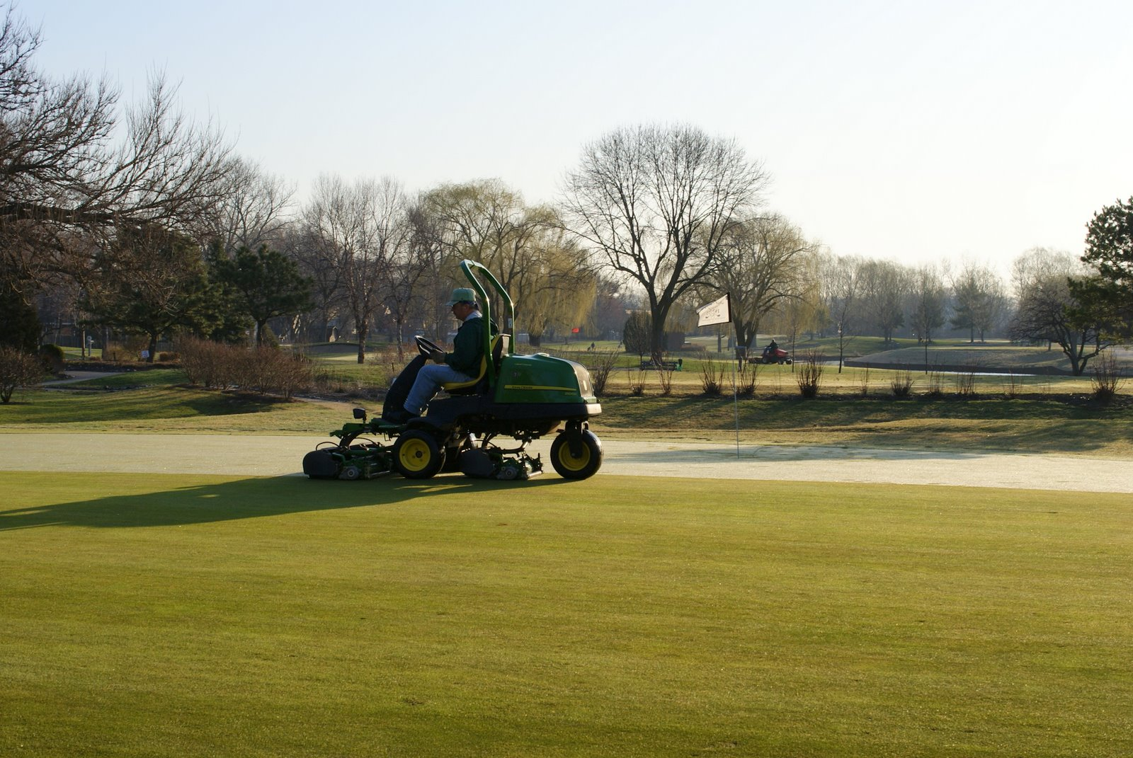 Sugar Creek Golf Course Blog: Greens Mower Engine Rebuild