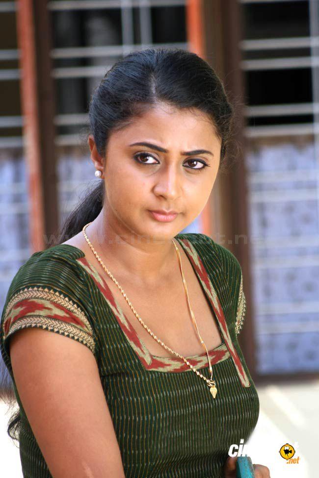 Southindian Actress Gallery South Indian Actress Kaniha-8321
