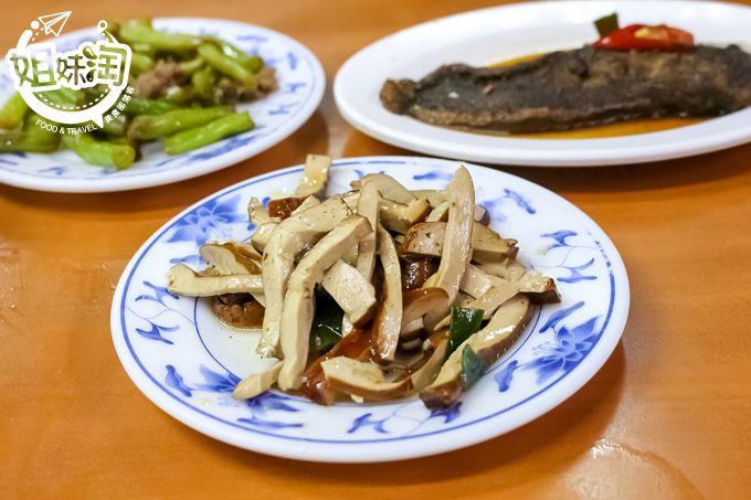 高雄 美食 肉燥飯推薦 必吃 龍門客棧肉燥飯 宵夜