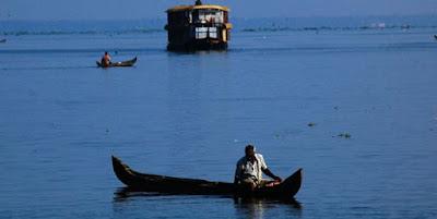 ashtamudi backwater stretches kollam