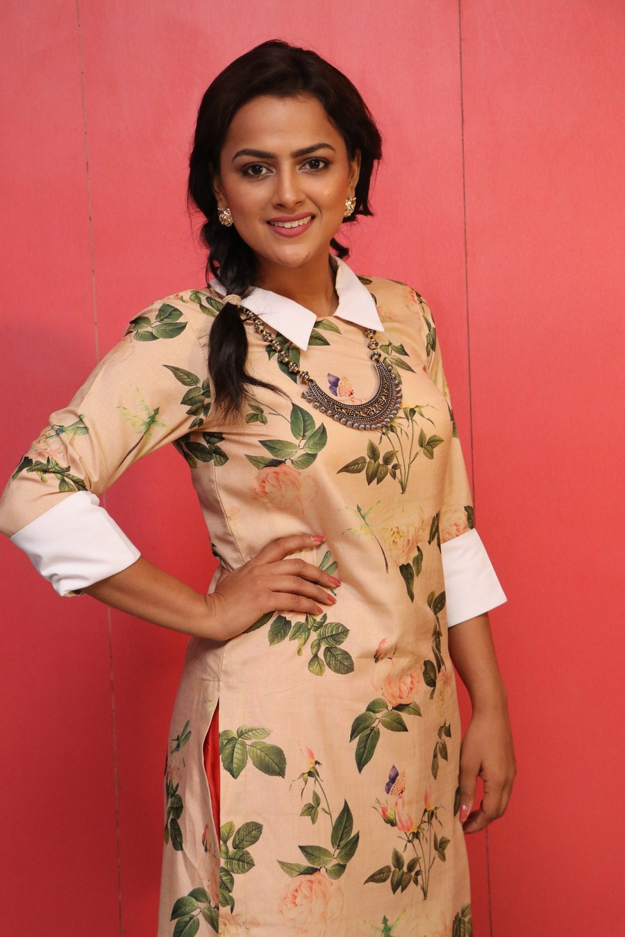 Actress Shraddha Srinath Awesome Cool Pics