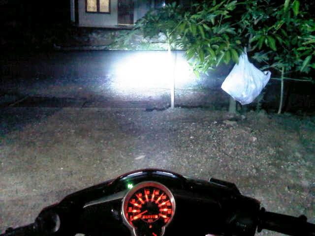 Lampu HID Motor RICHTER untuk Vespa biru 8000k