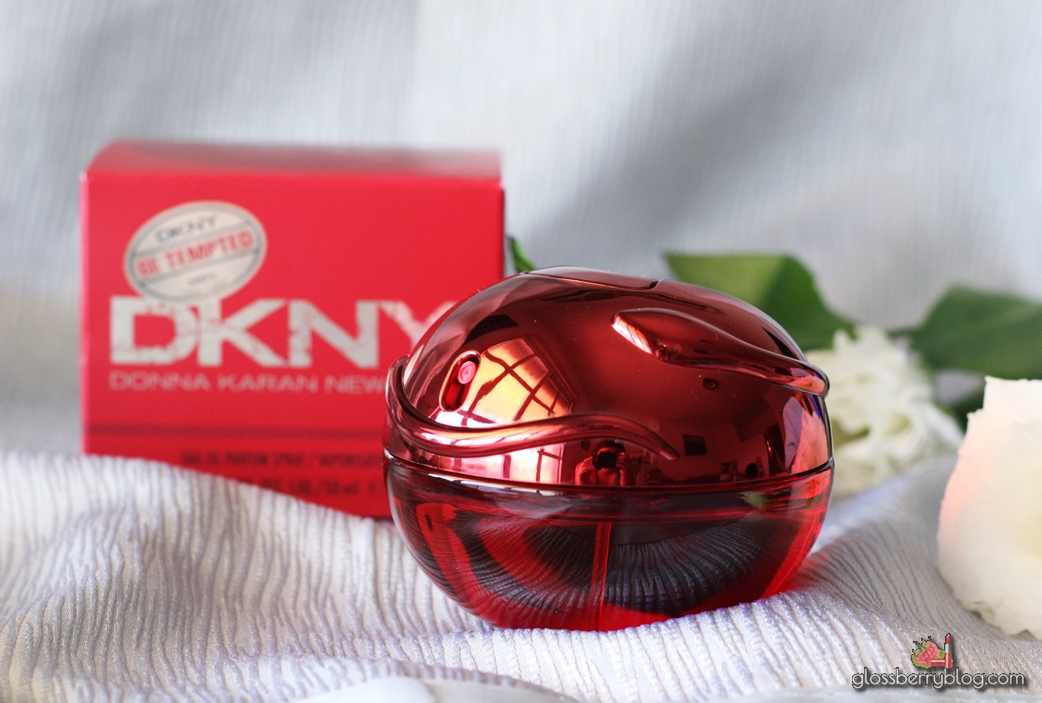 DKNY PERFUME BE TEMPTED perfume review בושם דונה קארן גלוסברי בלוג איפור וטיפוח