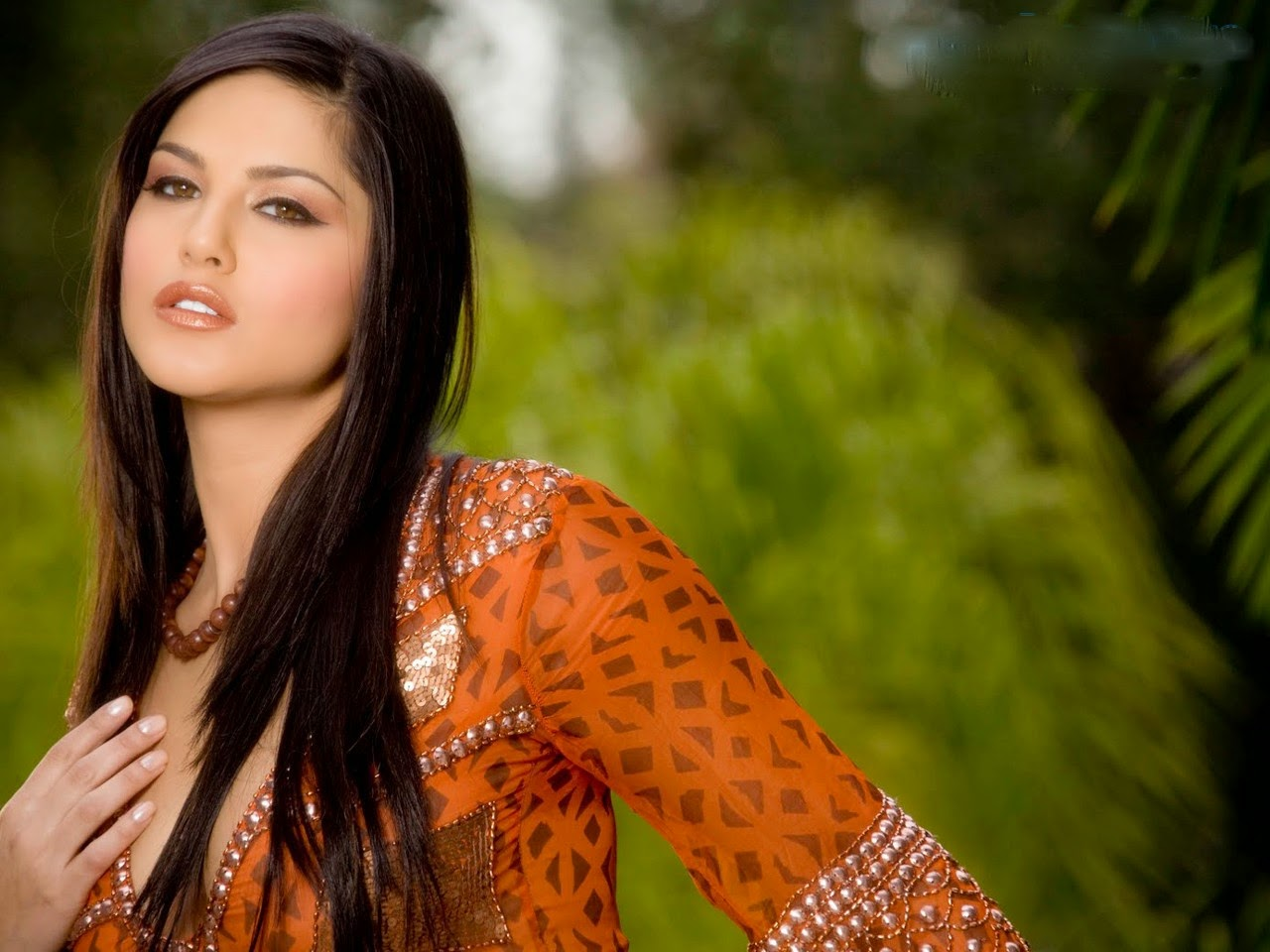Sunny Leone HD Wallpapers | Download Free High Definition Desktop Backgrounds