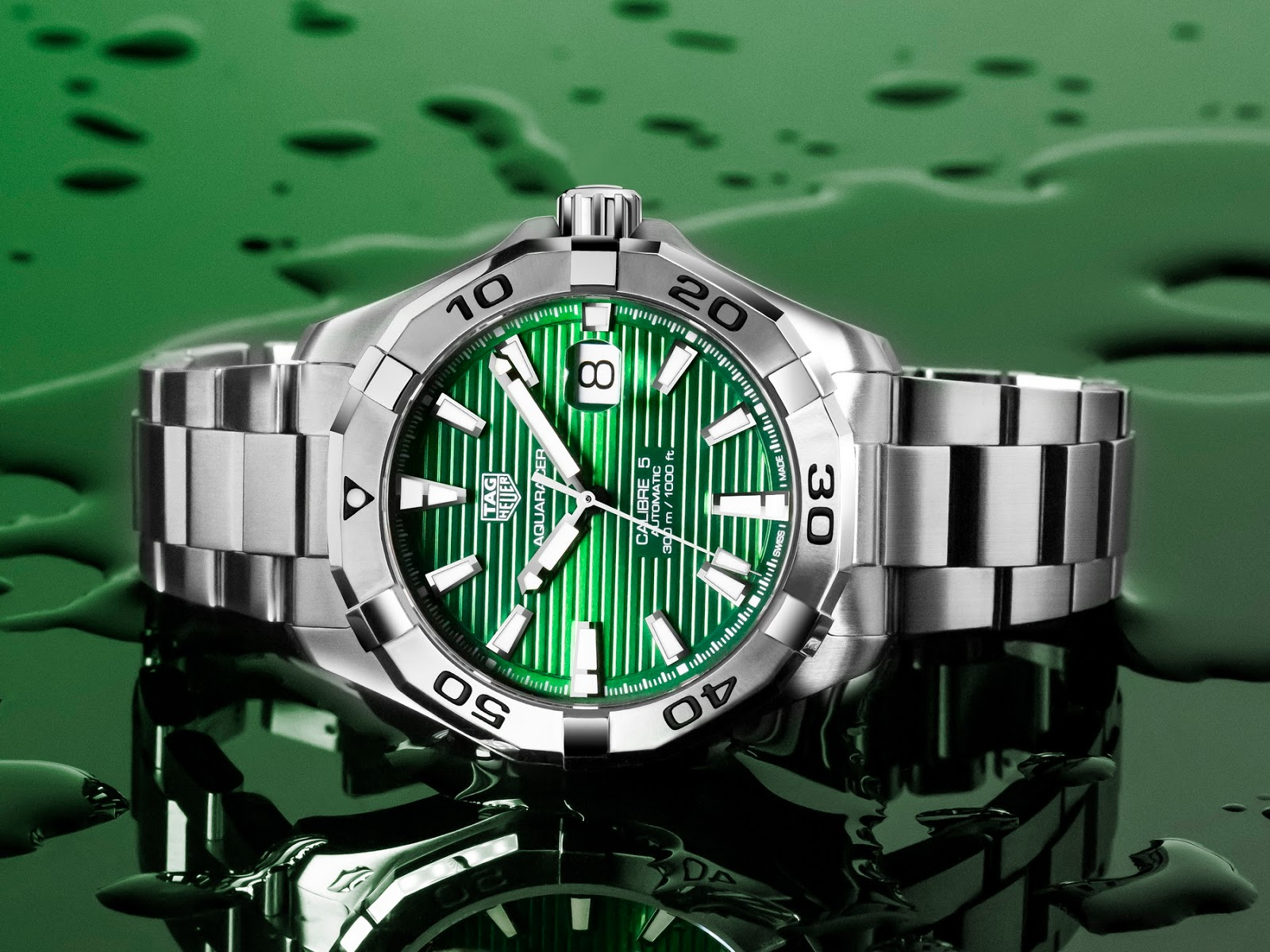 Tag Heuer's new Emerald Green Aquaracers TAG+Heuer+Aquracer+EMERALD+07
