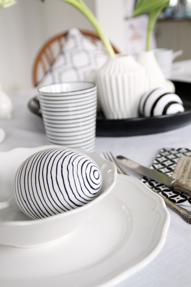Dekoideen Ostertisch, Deko-Donnerstag mit Verlosung zum Thema Ostertisch, Frühstücksset, schwarz weiß