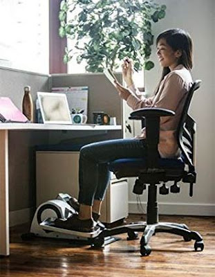 7 Ways To Burn Calories While Sitting At Your Desk