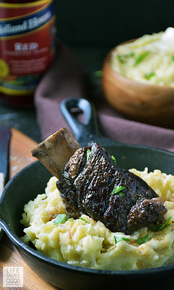 Slow Cooker Red Wine Short Ribs | by Life Tastes Good are fall off the bone tender and melt in your mouth with a rich, succulent flavor that can only be described as luxurious. #LTGrecipes