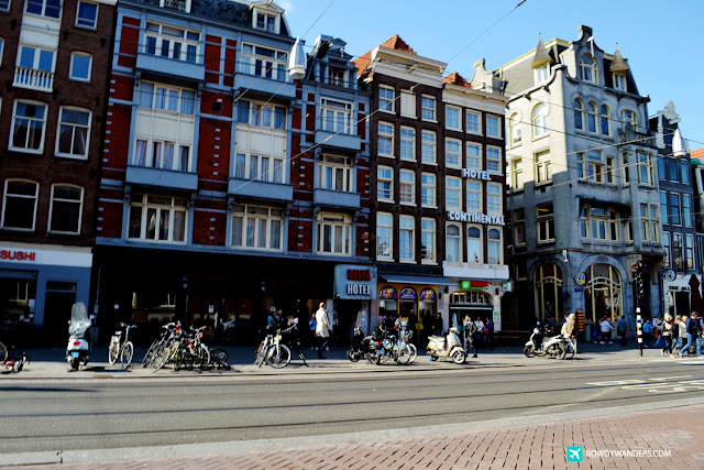 bowdywanders.com Singapore Travel Blog Philippines Photo :: Netherlands:: The Leaning Structures of Amsterdam, Netherlands: Stop, Stand, Stare