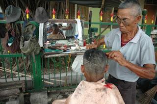 Hikmah Larangan Mencukur Rambut Pada hari jum'at sebelum shalat jum'at