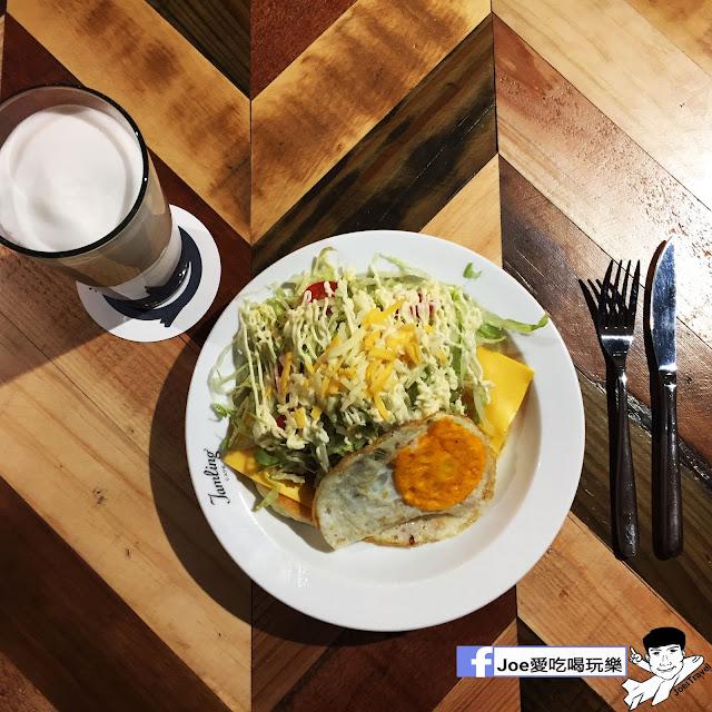 IMG 0315 - 【台中甜點】jamling Cafe 台中 - 來自東京鬆鬆軟軟入口即化的鬆餅 貓王鬆餅 吃起來有花生的甜 培根的鹹 ~一整個超級特別!!