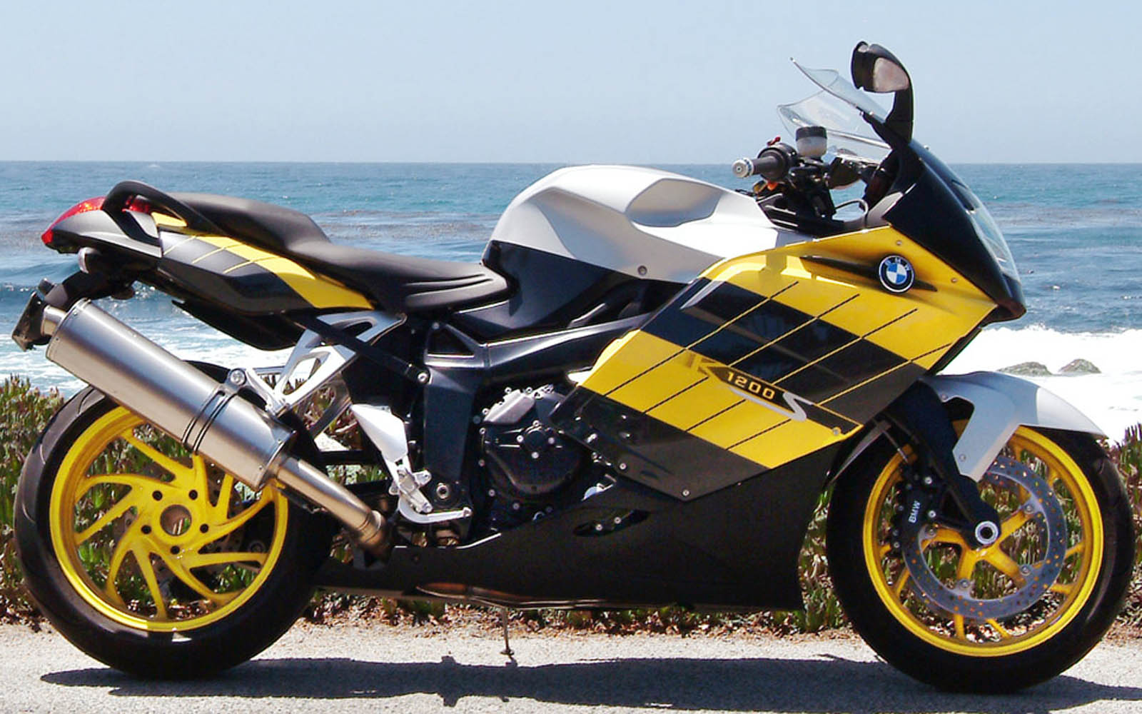 HD Wallpapers: BMW K1200S Wallpapers