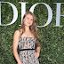 Margo Hayes posa para fotos no lançamento da exibição 'Christian Dior, couturier du rêve' comemorando 70 anos de criação, em Paris, França – 03/07/2017