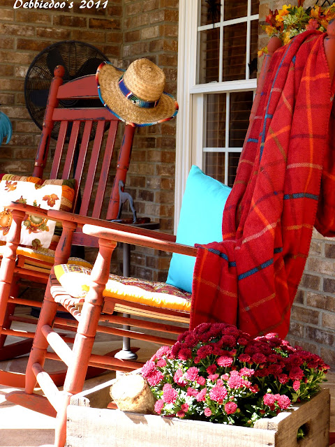 Fall porch decorating Part II {Newbie party started}
