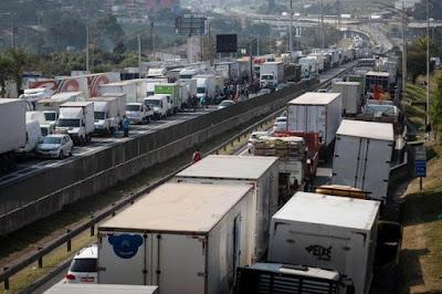 Caminhoneiros de GO falam em bloquear estradas para exigir mínimo do frete