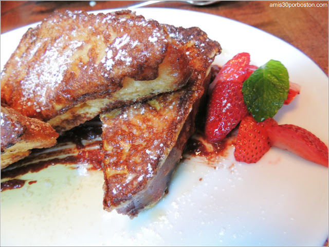 Alden & Harlow Brunch: Croissant Toad in the Hole