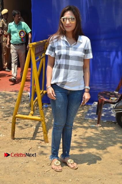 Actress Aishwarya Dhanush Pos at Producer Council Election 2017  0003.jpg