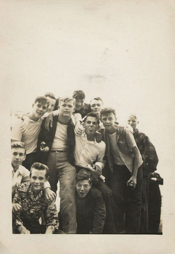 vintage young men fashion � black and white photos of