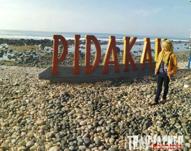 Eskplor tempat tujuan wisata di pacitan, pantai pidakan