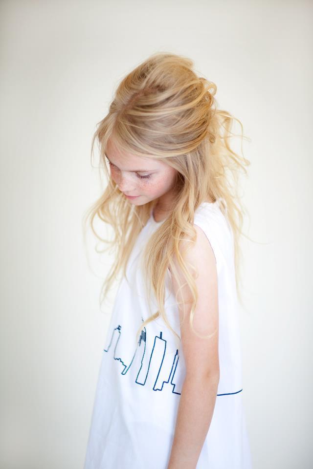 a383f906e4948 Djaknemala é uma jovem marca sueca que desenha roupas charmosas inspiradas  nas belas florestas da Suécia para meninas delicadas e românticas.