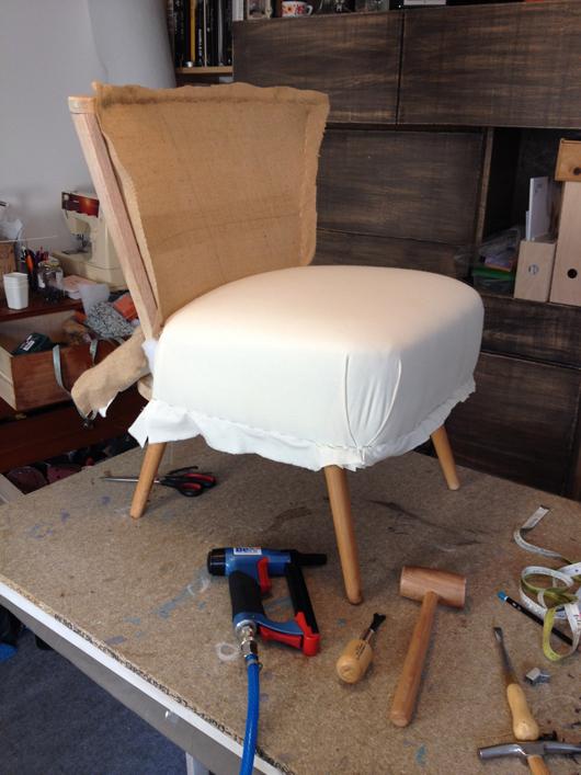 atelier compas fauteuils pour une chambre. Black Bedroom Furniture Sets. Home Design Ideas