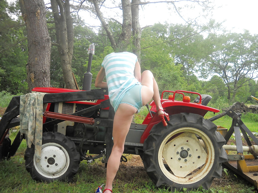 road tractors and naked girls