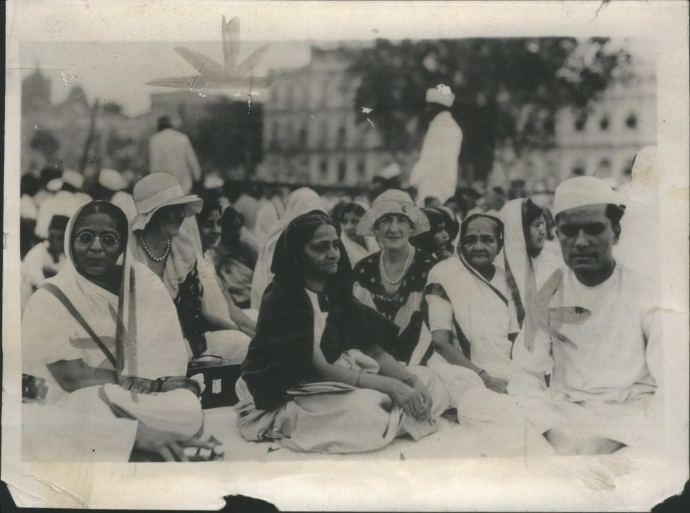 Mrs. Kasturba Gandhi wife of Mahatma Gandhi (third person from right), visits with American women during a political meeting in Bombay, India - 1931