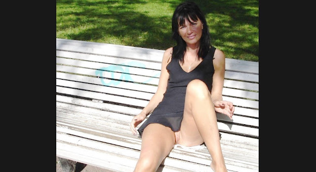 Смотреть на www.EROTICAXXX.ru Девки потеряли трусы, фото эротика (1)