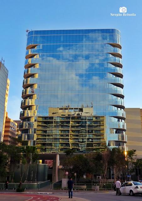 Vista ampla do Edifício Grande Ufficiale Evaristo Comolatti - Cerqueira César - São Paulo