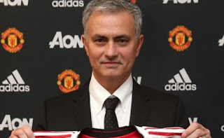 MOU MANAJER MANCHESTER UNITED