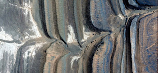 parallel faults stone,abstract landscapes of deserts ,Abstract Naturalism,abstract photography deserts of Africa from the air,abstract surrealism,mirage in Sahara desert,fantasy forms of stone