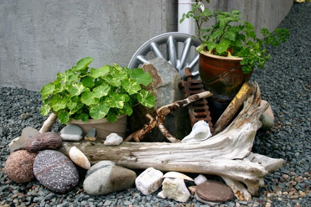 Garden decor with found objects: