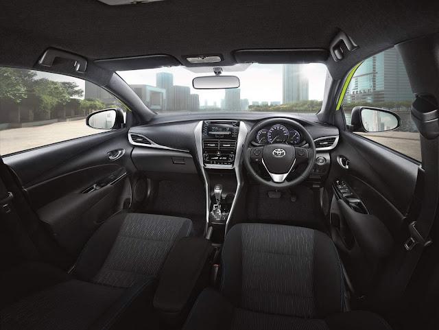 Novo Toyota Yaris 2018  - interior