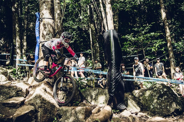 2016 Cairns UCI World Cup Downhill: Race Highlights - Tracey Hannah