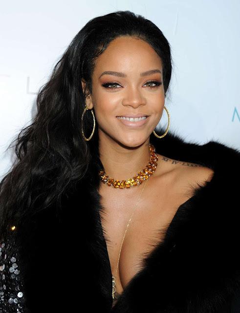 Artis Wanita Rihanna