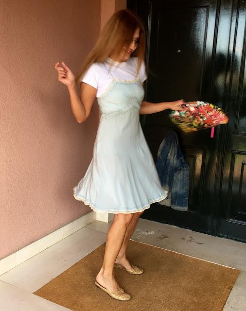Vintage, Salon Varsovia, streetstyle, lencería, vestido lencero, dress code, Casa Decor, Deco, AS Interiorista, Look, Outfit lencero, Carmen Hummer Style