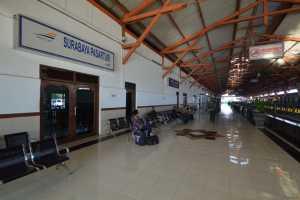 Jadwal Keberangkatan KA Ekskutif Dari St. Pasar Turi ke St. Gambir