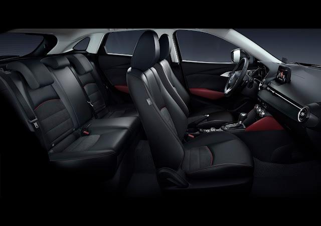 Interior view of 2018 Mazda CX-3