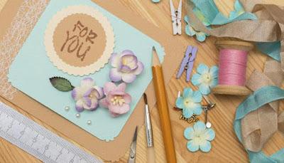 269704-handmade-card-700