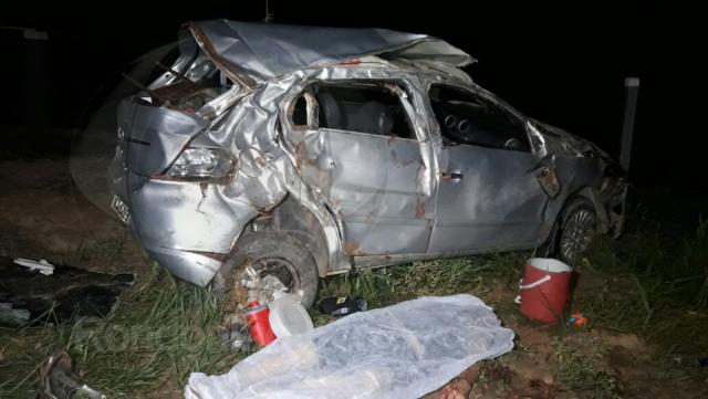 Um morto e três gravemente feridos após capotamento na BR 364