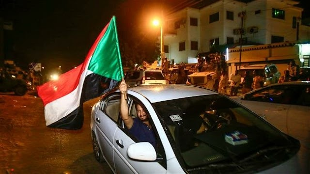 Sudanese people keep up pressure for civilian rule after coup leader Awad Ibn Auf resigns