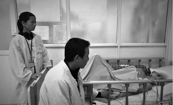 Cậu bé13 tuổi ba lần phẫu thuật u não, gia đình hoàn cảnh không ai cầm được nước mắt