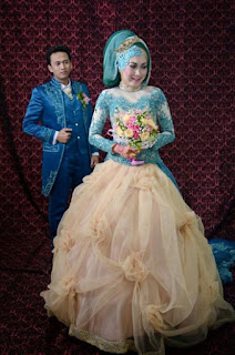 Baju pengantin muslim kombinasi