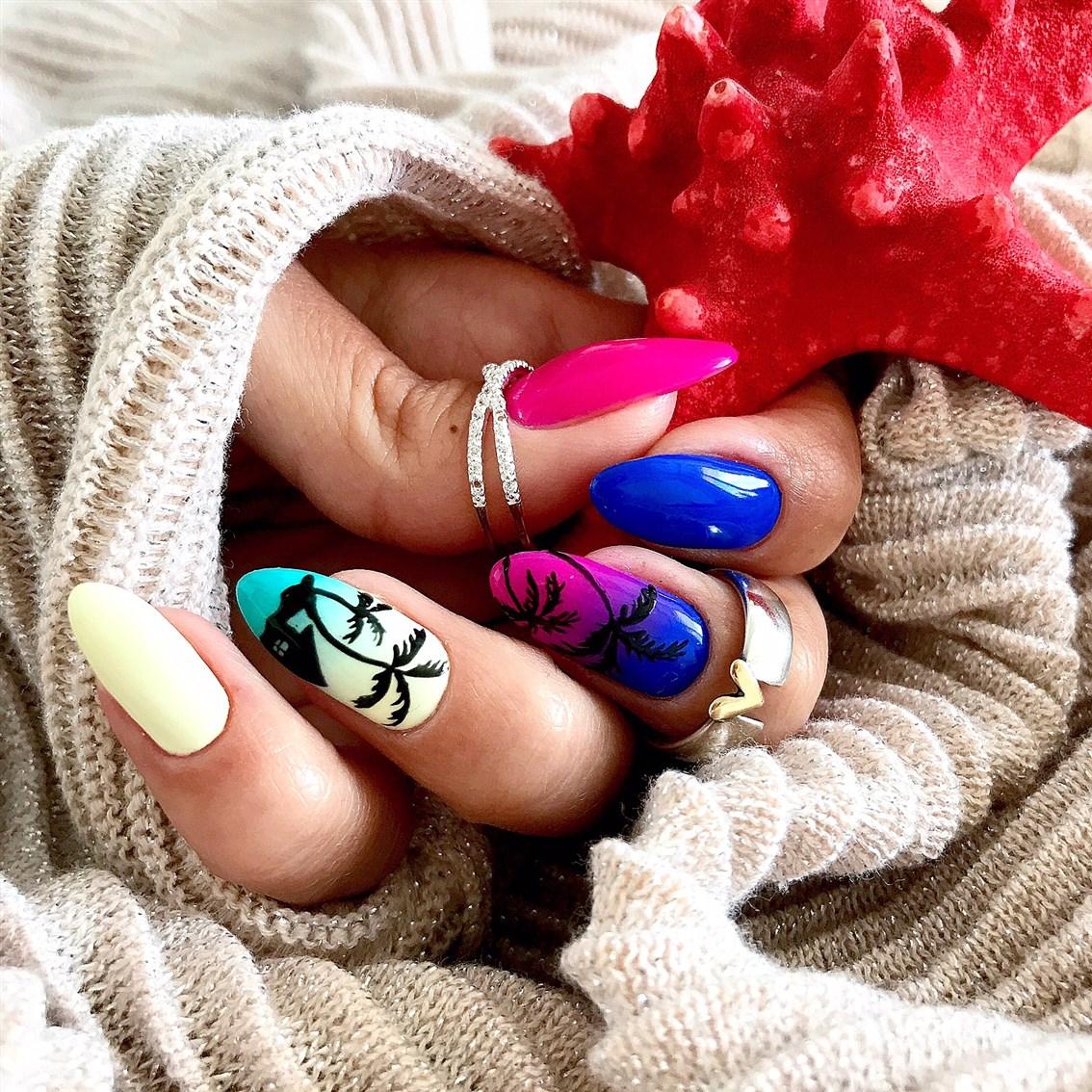 palmy na paznokciach, manicure ombre