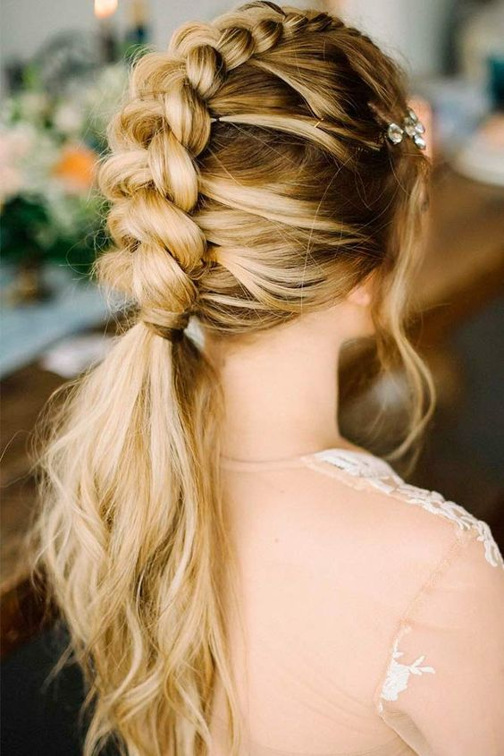 Easy Summer Hairstyles To Wear On Hot Days